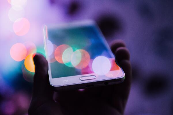 digital experience platforms power smartphones